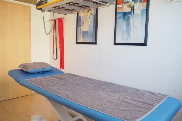 behandlungsraum-krankengymnastik-praxis-geisenheim38D42516-D5DF-A7F4-9575-DB8D4CB5D61B.jpg