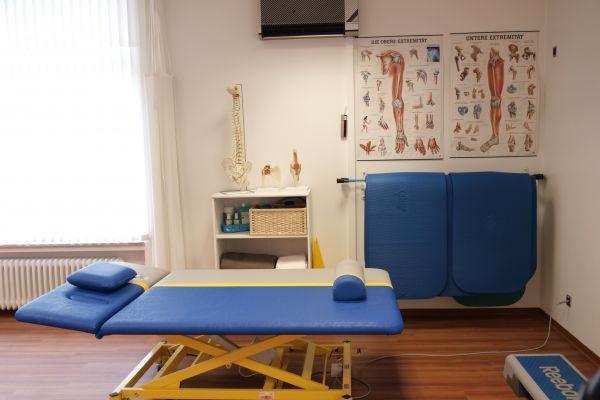 bobath-behandlung-physiotherapie-praxis-biebrich6BAADDA4-966E-5F4D-DE7A-48D4E819D78F.jpg