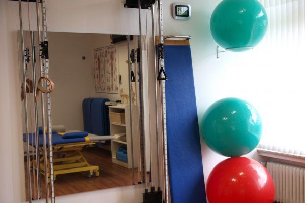 krankengymnastik-praxis-wiesbaden-biebrich0499D361-90BD-A454-6E04-A730257070D8.jpg