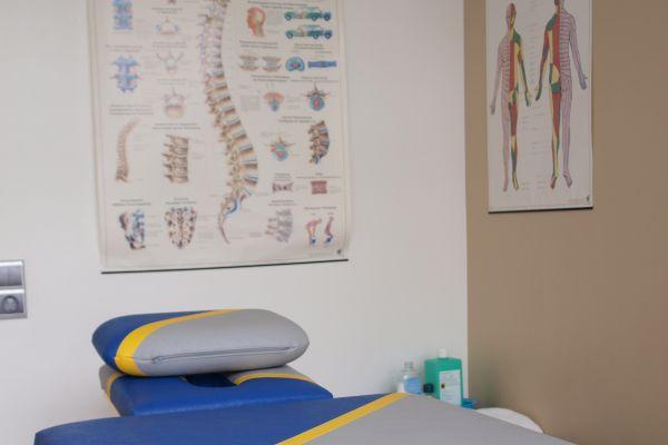 massage-behandlung-krankengymnastik-praxis-biebrichA7EA7565-53FD-A356-907F-F0C28FDCCB96.jpg